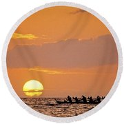 Canoeing At Sunset Round Beach Towel