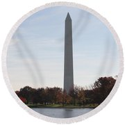 Capital Autumns - The Washington Monument In The Fall Round Beach Towel