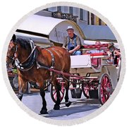 Carriage Through The City Round Beach Towel