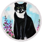 Cat In The Garden Round Beach Towel