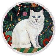 Cat Under The Christmas Tree Round Beach Towel