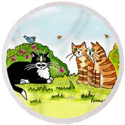 Cats Talking In A Sunny Garden Round Beach Towel