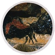 Cave Drawing/lascaux Round Beach Towel