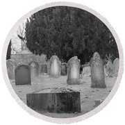 Cemetery Church Of St. Mary Wedmore Round Beach Towel