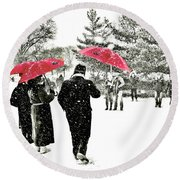 Central Park Snow And Red Umbrellas Round Beach Towel