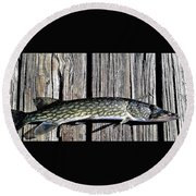 Chain Pike Round Beach Towel