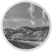 Chem Trails Over Valley Of Fire Black White  Round Beach Towel
