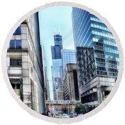 Chicago Concrete Canyons Round Beach Towel