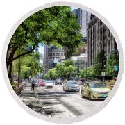 Chicago Hailing A Cab In June Round Beach Towel