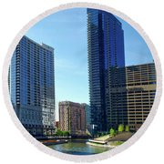 Chicago Heading Up The North River Branch Round Beach Towel