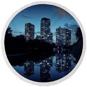 Chicago High-rise Buildings By The Lincoln Park Pond At Night Round Beach Towel