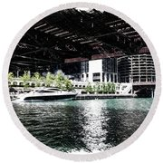 Chicago Parked On The River In June 03 Pa 01 Round Beach Towel