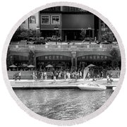 Chicago Parked On The River Walk Panorama 02 Bw Round Beach Towel