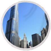 Chicago River And Skyline Round Beach Towel