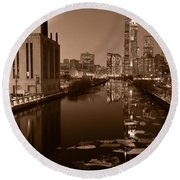 Chicago River B And W Round Beach Towel