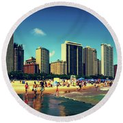 Chicago Summer Skyline At Oak Street Beach Round Beach Towel