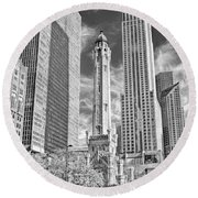 Chicago Water Tower Shopping Black And White Round Beach Towel