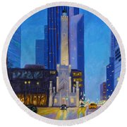 Chicago's Water Tower At Dusk Round Beach Towel