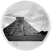 Chichen Itza B-w Round Beach Towel