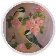 Chickadees And Roses Round Beach Towel