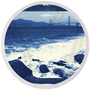 China Beach And Golden Gate Bridge With Blue Tones Round Beach Towel