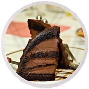 Chocolate Mousse Cake Round Beach Towel