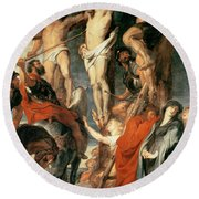 Christ Between The Two Thieves Round Beach Towel