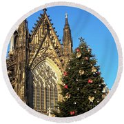 Christmas In Cologne Round Beach Towel
