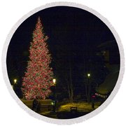 Christmas In Vail Round Beach Towel