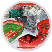 Christmas Kitten  Round Beach Towel