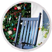 Christmas On The Porch Round Beach Towel