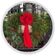 Christmas Ribbon On Iron Door Round Beach Towel