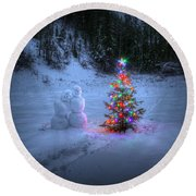 Christmas Spirit At Grouse Creek Round Beach Towel
