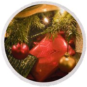 Christmas Tree Decorations And Gifts Round Beach Towel