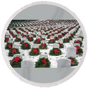Christmas Wreaths Adorn Headstones Round Beach Towel