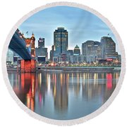 Cincinnati At Dusk Round Beach Towel