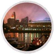 Red Sunset Sky In Cincinnati Ohio Round Beach Towel