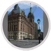 City Hall With Street Lamp Round Beach Towel