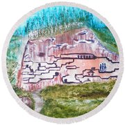City In The Wall Round Beach Towel