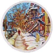 Cityscene In Winter Round Beach Towel