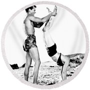 Clash By Night With Marilyn Monroe Round Beach Towel
