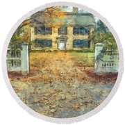 Classic Colonial Home In Autumn Pencil Round Beach Towel