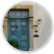 Classic House Entrance In Old Nicosia Round Beach Towel