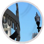 Clear Street Lamp Downtown Chicago Round Beach Towel