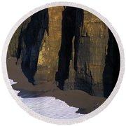 Cliffs At Blacklock Point Round Beach Towel