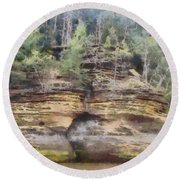 Cliffs At The Dells Round Beach Towel