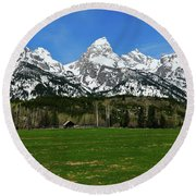 Climbers Ranch In Spring Round Beach Towel