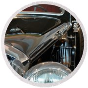 Close Up On Vintage Black Shining Car Round Beach Towel