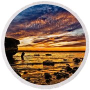 Closing Colors Round Beach Towel