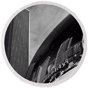 Cloud Gate And Aon Center Black And White Round Beach Towel